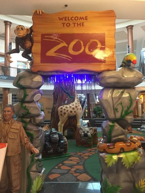 Polaris Fashion Place: Zoo Play Area