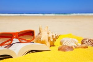 sizzlin-beach-reads-feature-photo-520x345