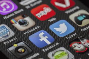 Helping Kids Navigate Social Media