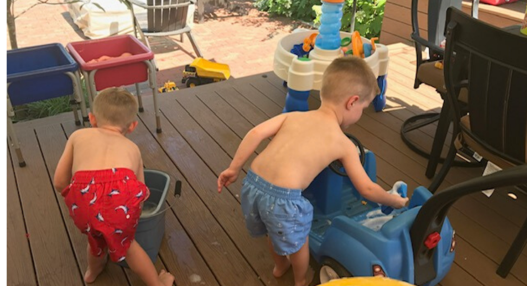 kids washing their cars