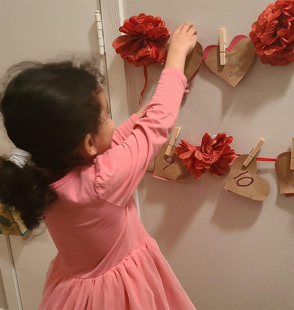 Valentine's Day chain countdown